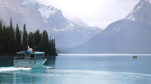 Maligne Lake Spirit Island Cruise
